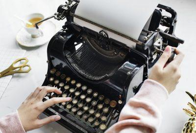typen tekstschrijven typemachine